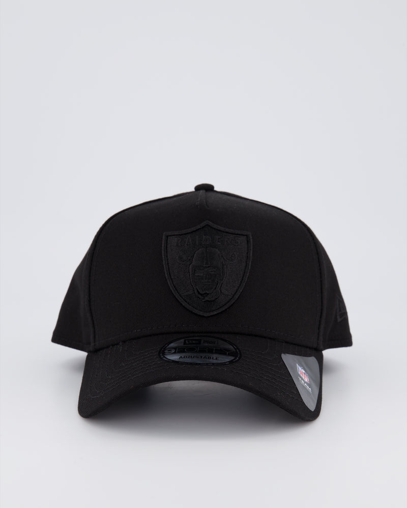 OAKLAND RAIDERS 9FORTY A-FRAME - BLACK ON BLACK