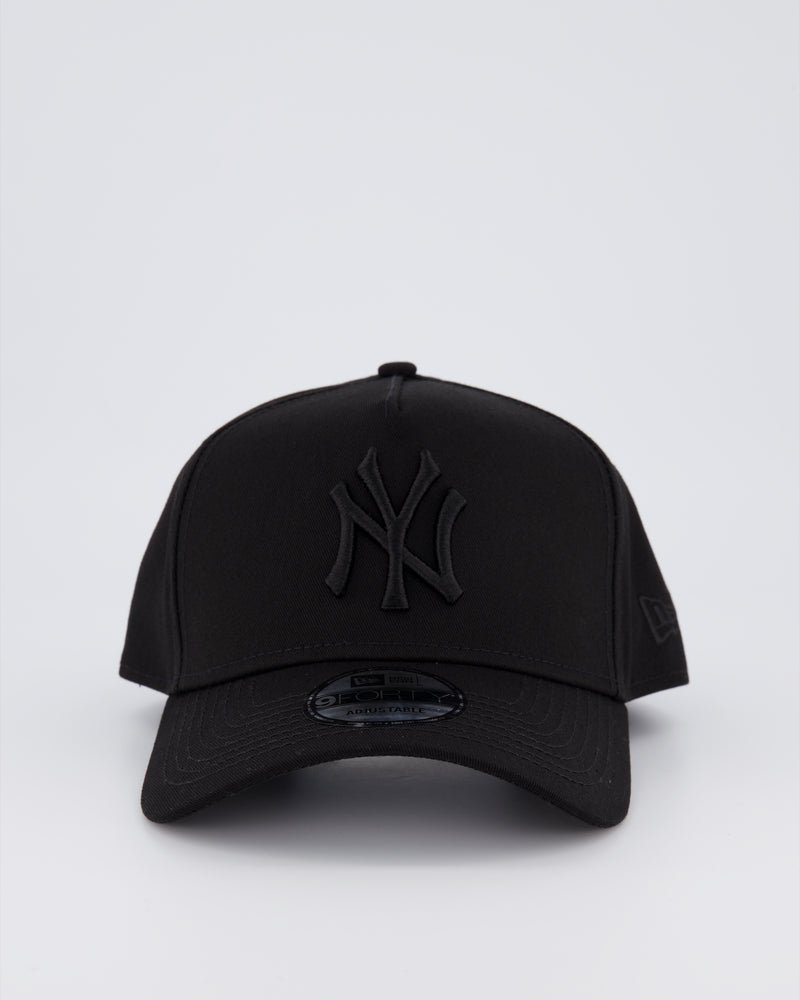 NY YANKEES 9FORTY A-FRAME - BLACK ON BLACK
