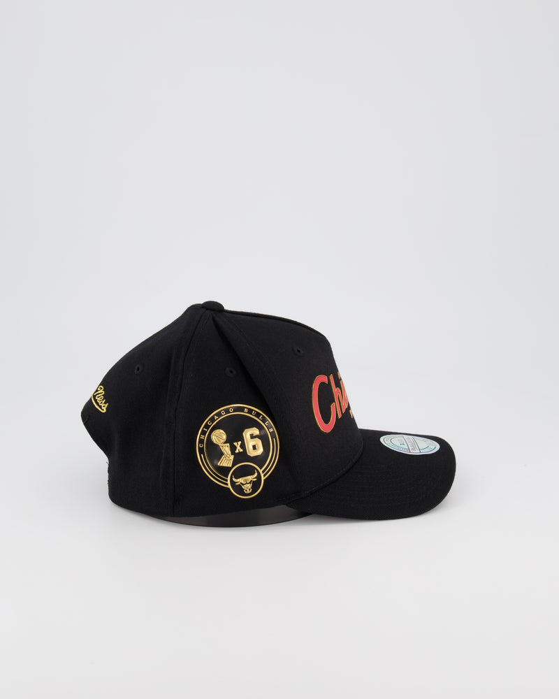 CHICAGO BULLS NBA PINCH 110 SNAPBACK - 3D SILICONE GOLD TEAM SCRIPT