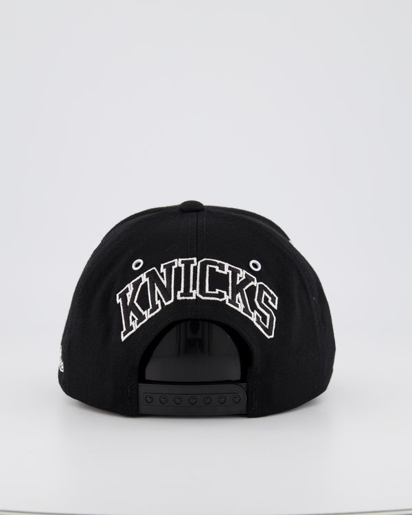 NEW YORK KNICKS NBA PINCH 110 SNAPBACK - BLACK MUTLI PANEL LOGO