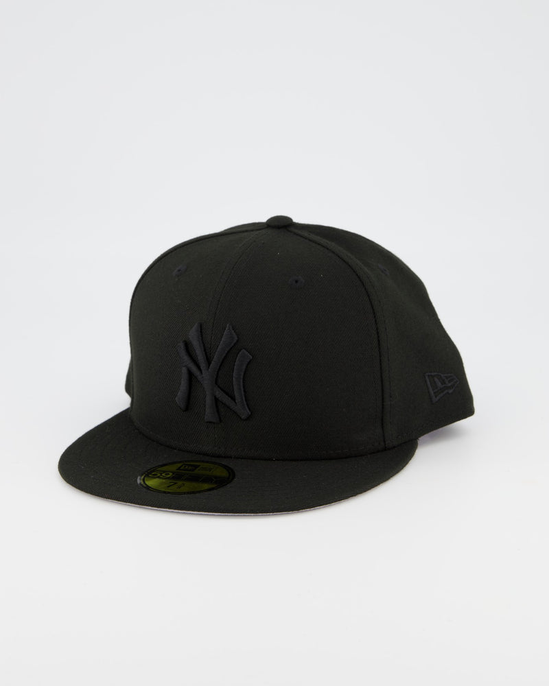New York Yankees 59FIFTY Fitted Cap - Black on Black
