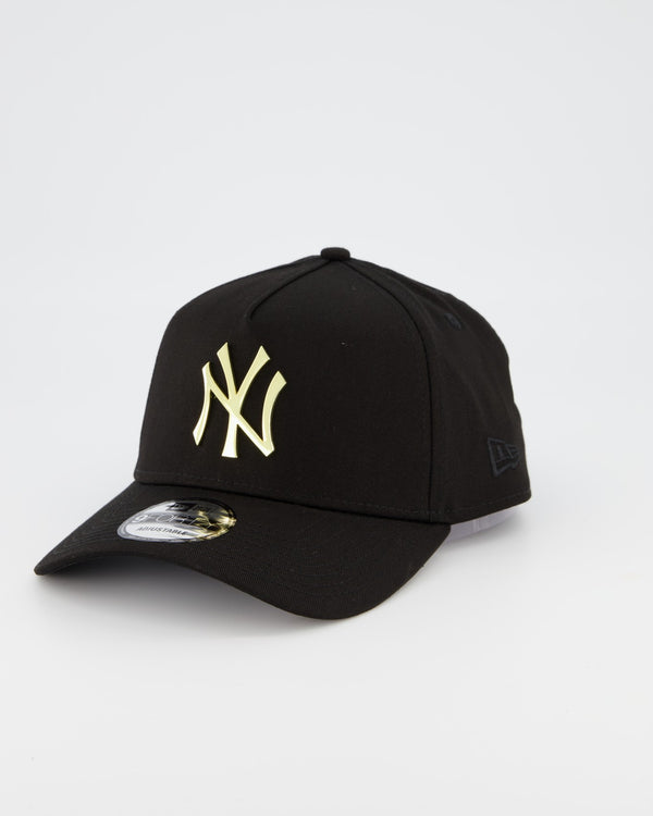 NEW YORK YANKEES 9FORTY A-FRAME - GOLD METAL BADGE