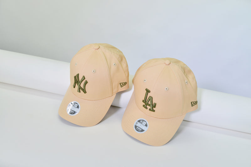 WOMENS 9TWENTY CLOTH STRAPBACK CAP - PEACH/OLIVE