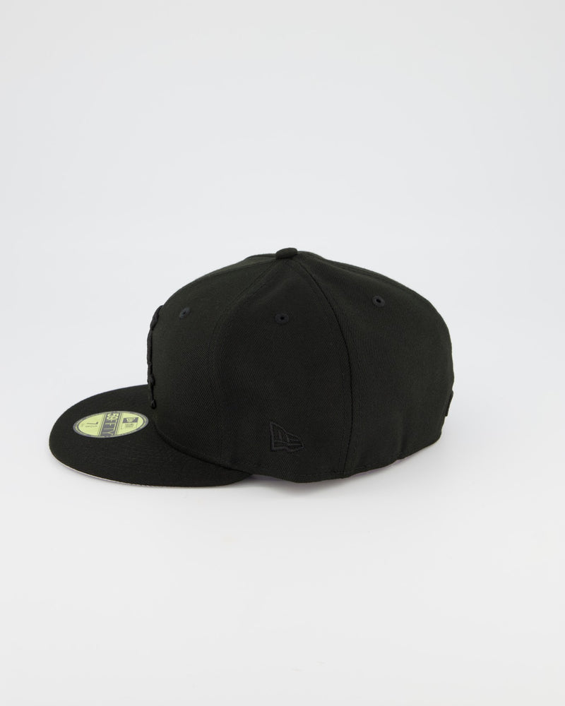Chicago White Sox 59FIFTY Fitted Cap - Black on Black