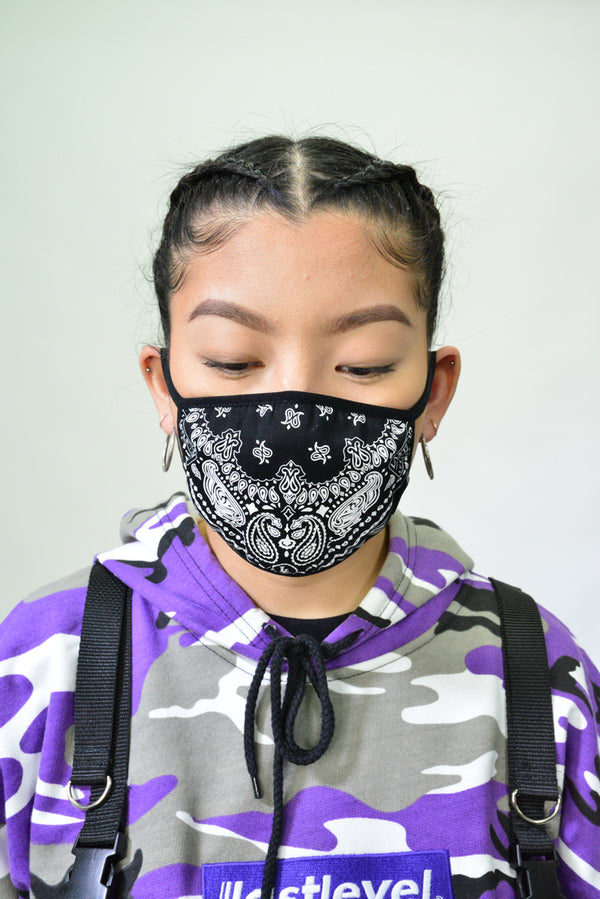 WOMENS BANDANA FACE MASK - BLACK LASTLEVEL PAISLEY