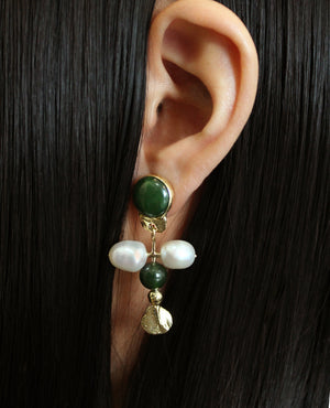 OPEN ARMS // nephrite jade and baroque pearls - ORA-C jewelry - handmade jewelry by Montreal based independent designer Caroline Pham