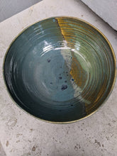 Load image into Gallery viewer, Medium Earthtones Serving Bowl