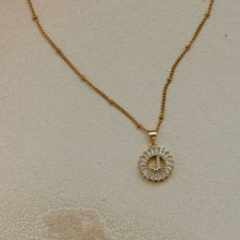 Load image into Gallery viewer, Gatsby Circle Initial Necklace