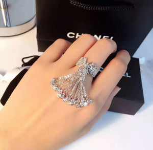 DONATELLA tassel Ring