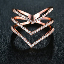 Load image into Gallery viewer, 18k rose gold diamond ring