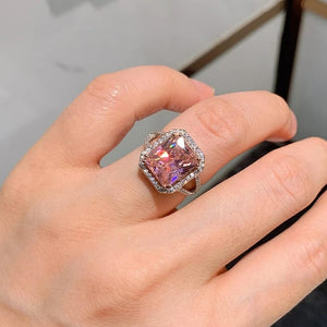 SUMAYA handcrafted ring witb lab diamonds