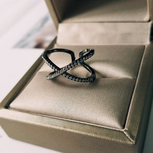 AIZA adjustable criss cross ring