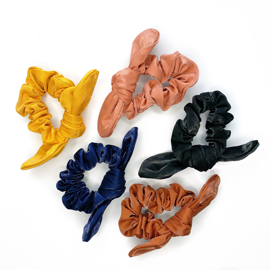 DELLA HIGH SHINE SCRUNCHIE