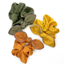 KELSEY SATIN EDGED SCRUNCHIE