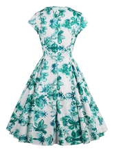 Load image into Gallery viewer, Stunning Floral swing dress
