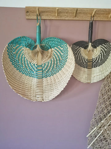 A fabulous bamboo fan with weaved colour details - Pavot blue Interiors