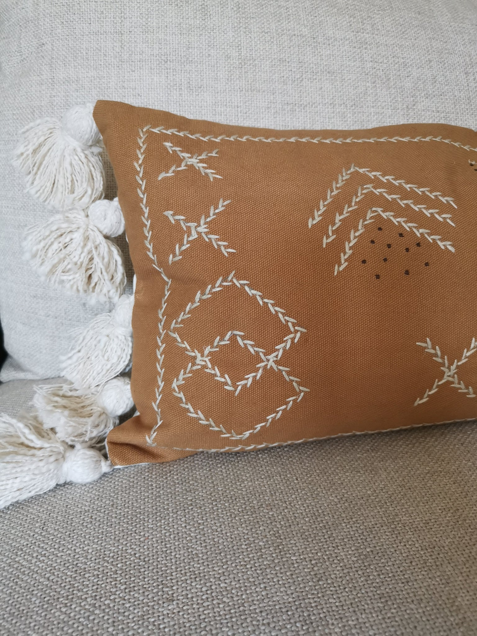 Long tassle cotton cushion cover