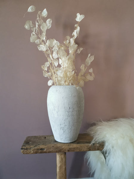 Chalk white stone vase - Pavot blue Interiors
