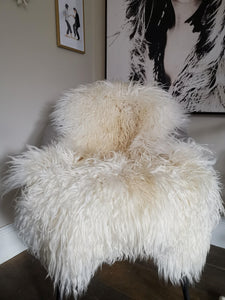 Large Creamy white curly icelandic sheepskin