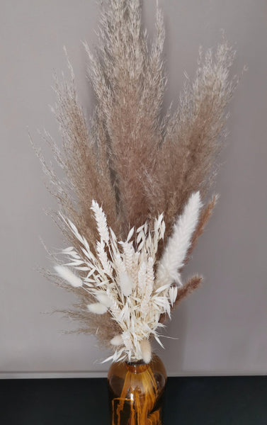 THE WHITES Small mixed dried pampas grass bouquet
