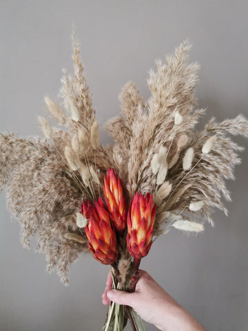 THE BLOOM Pampas grass and protea bouquet