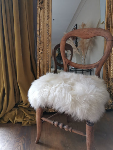 White swedish sheepskin chair cover - Pavot blue Interiors