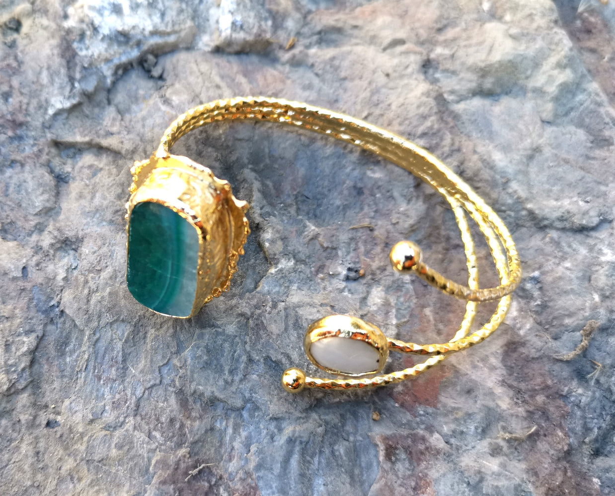 Gold Plated Brass Bracelet with Green Agate Gemstone and pearl Adjustable SR2