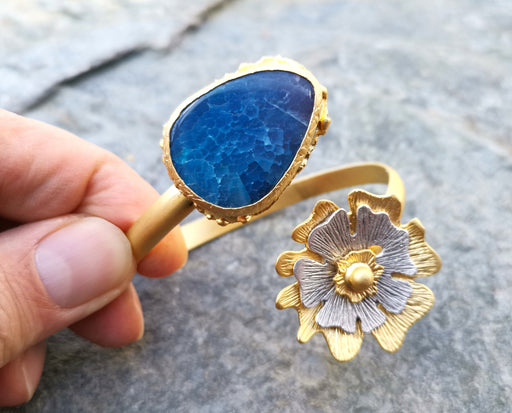Gold Plated Brass Bracelet with Blue Agate Gemstone Adjustable SR1