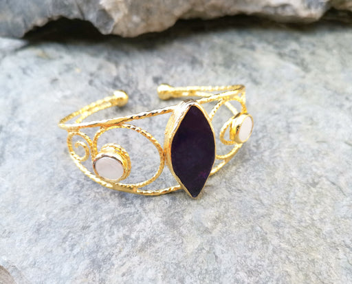 Gold Plated Brass Bracelet with Black Purple Agate and Two Pearl Adjustable SR8