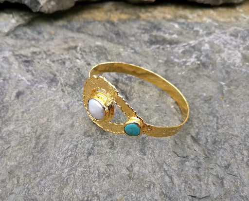 Bracelet with Turquoise Gemstone and Real Pearl Gold Plated Brass Adjustable SR61