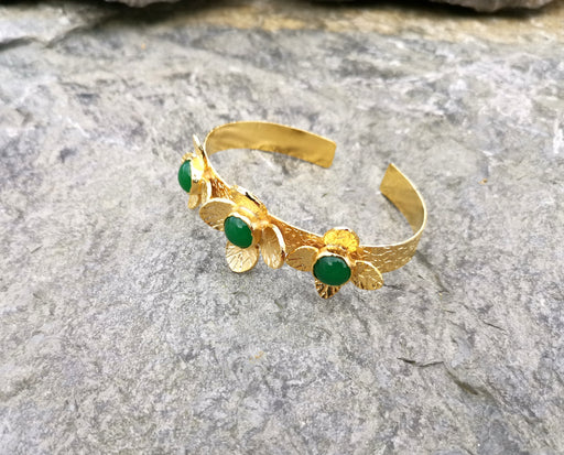 Flowers Bracelet with Green Gemstones Gold Plated Brass Adjustable SR65