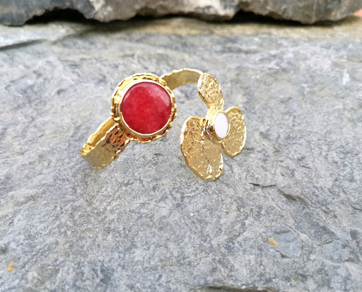 Flower Bracelet with Fuchsia Gemstones Gold Plated Brass Adjustable SR72