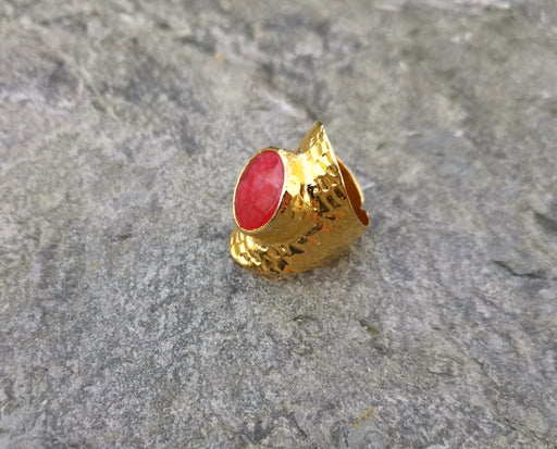 Gold Plated Hammered Ring with Fuchsia Gemstone , Gold Plated Brass Adjustable SR86