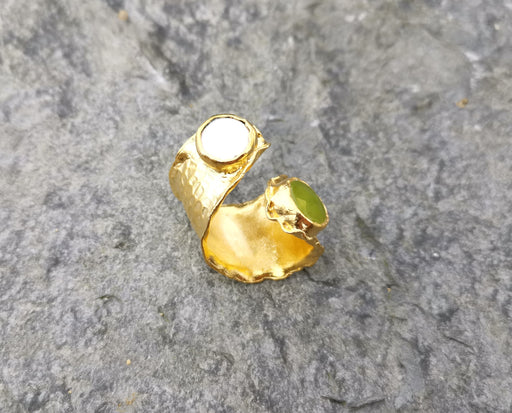Ring with Light Green Gemstone and  Real Pearl Gold Plated Brass Adjustable SR105