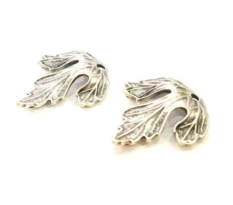 2 Silver Pendant Antique Silver Plated Leaf Pendant (29x25mm) G7251