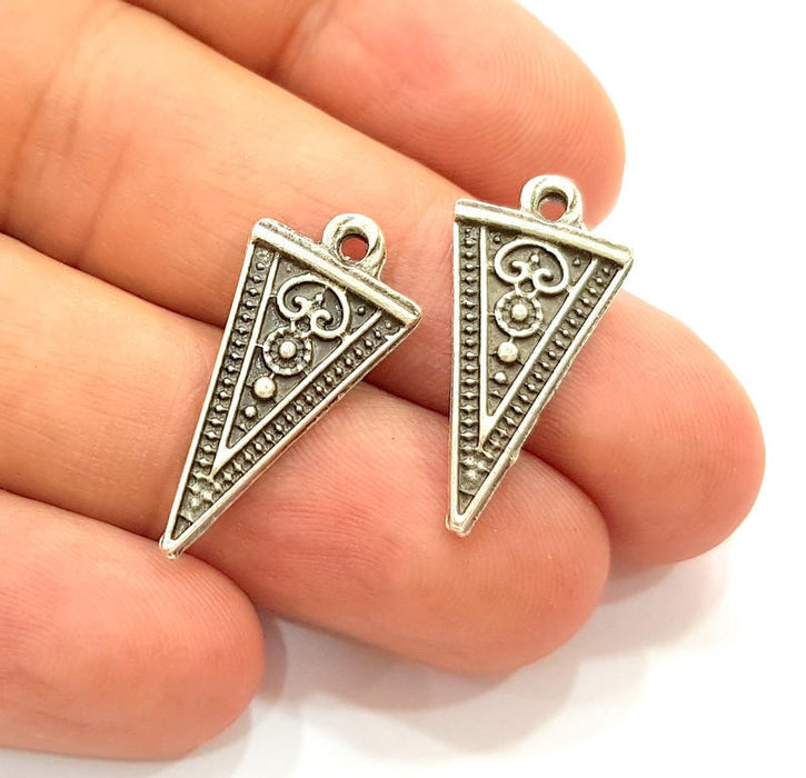 10 Silver Triangle Charms Antique Silver Plated Charms (25x13mm) G8304