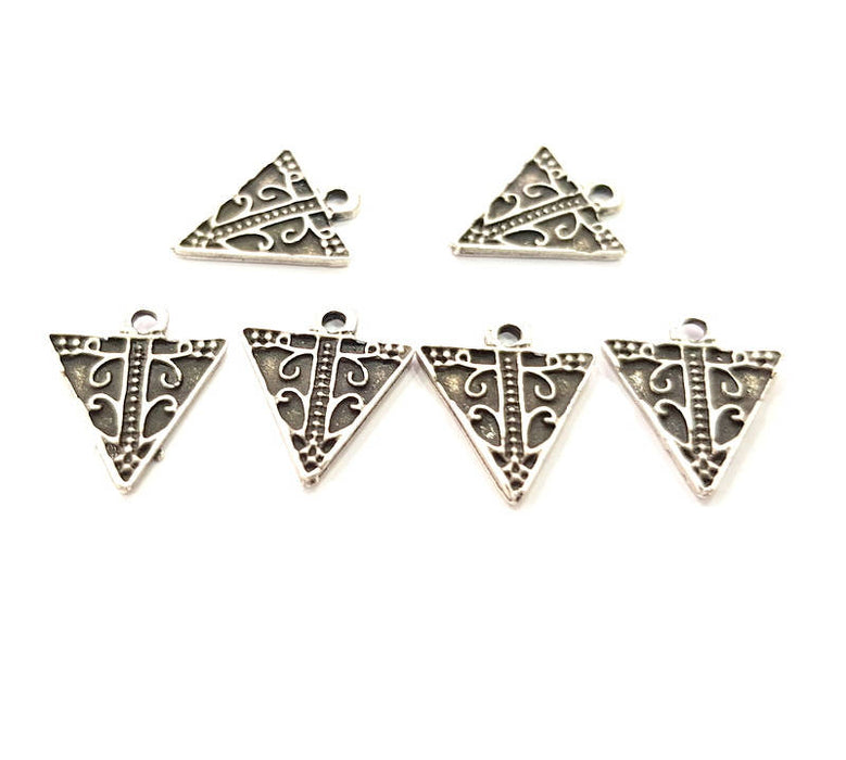 12 Silver Triangle Charms Antique Silver Plated Charms (17x14mm) G8904