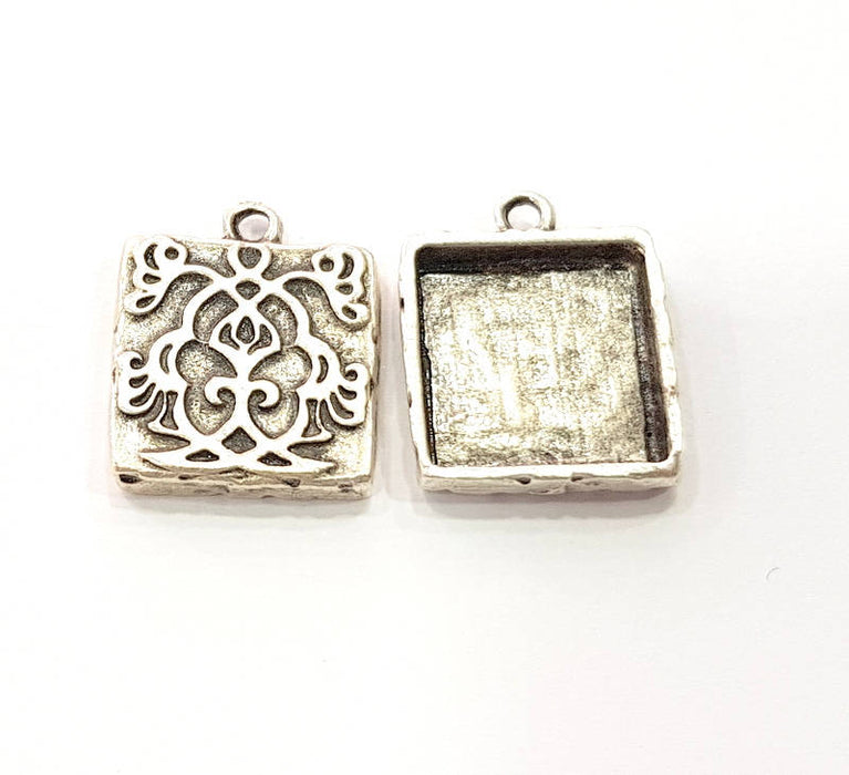 4 Silver Pendant Blank Bezel Base Setting Necklace Blank Resin Blank Mountings Antique Silver Plated  (17x17mm )  G8986