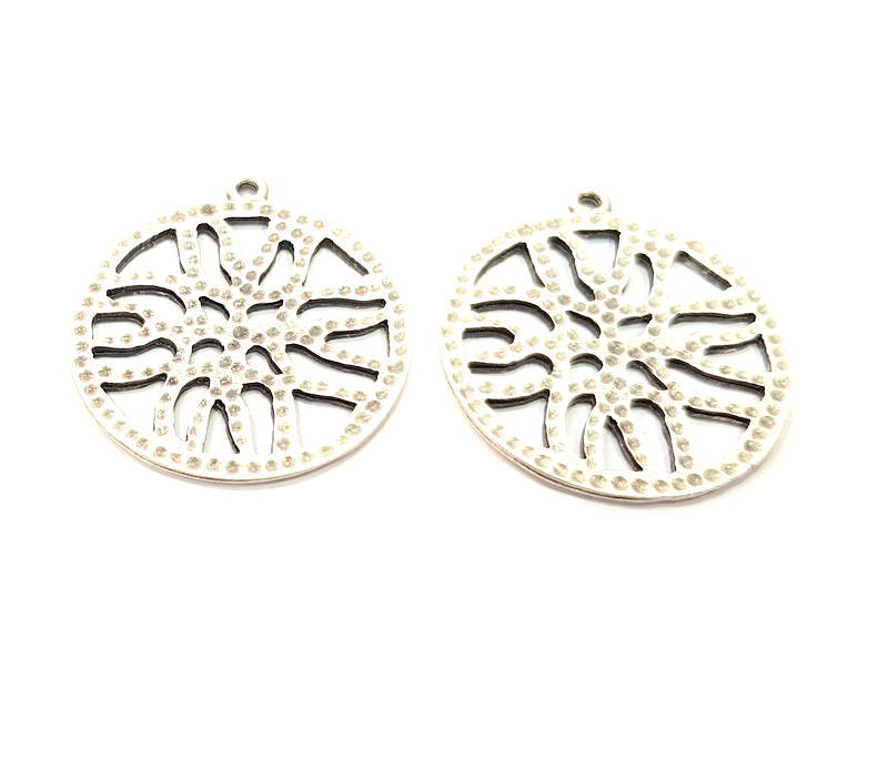 2 Silver Charms Antique Silver Plated Metal (30mm) G11425
