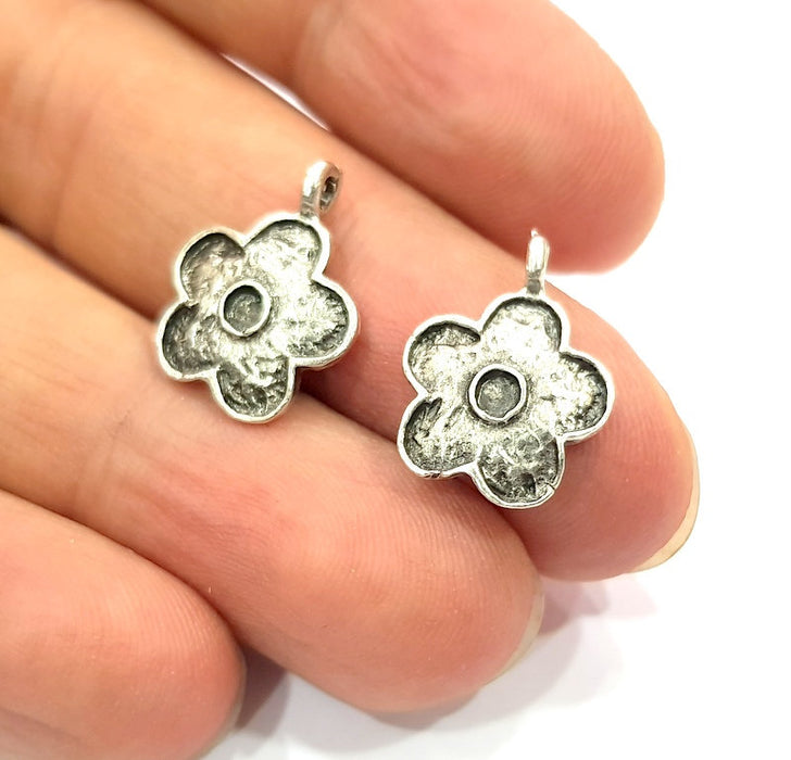 8 Flower Charm Silver Charms Antique Silver Plated Metal (18x14mm) G12312