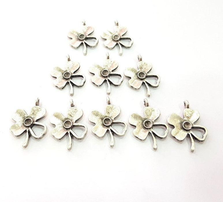10 Clover Charm Antique Silver Plated Charms (25x17mm) G12348