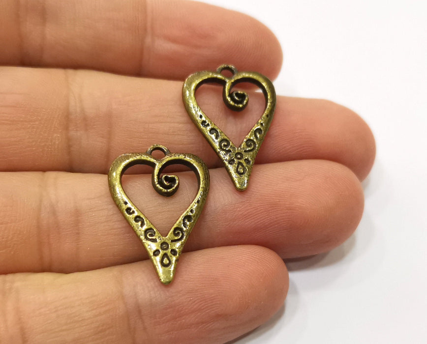 8 Heart Charms Antique Bronze Plated Charms (25x17mm) G18958
