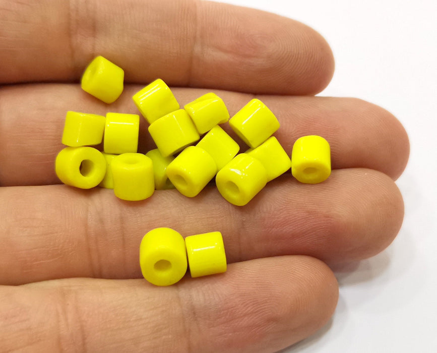 10 Cylinder Yellow Glass Beads 7 mm (2.5mm beads inner size) G19035