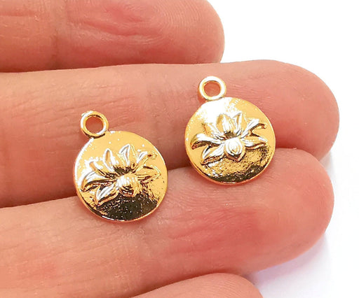 4 Spider Charms Shiny Gold Plated Charms (16x13mm) G20985
