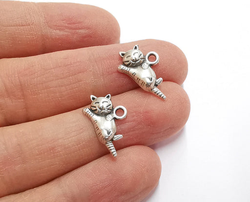 10 Cat Charms Antique Silver Plated Charms (18x12mm)  G21201
