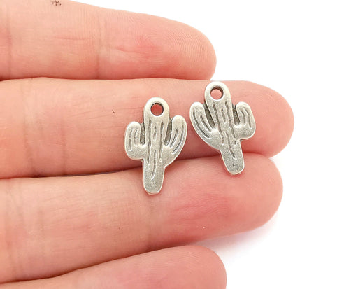 10 Cactus Charms Antique Silver Plated Charms (19x12mm)  G21549