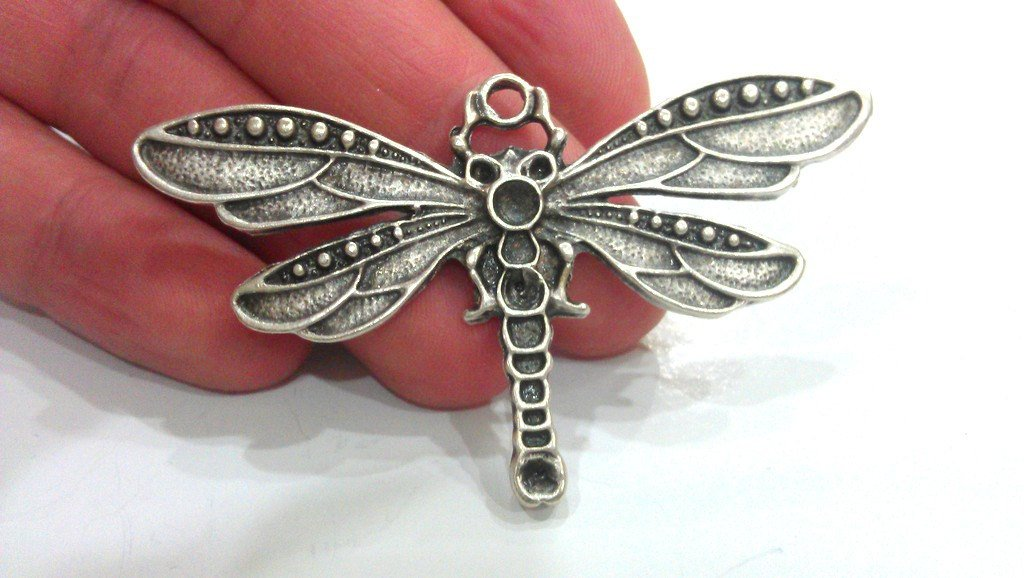 2 Pcs  Antique Silver Plated Metal Dragonfly Pendant  G12244