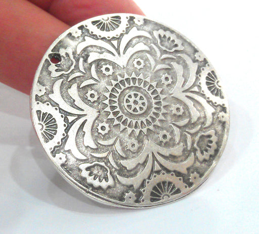 Silver Plated Medallion Pendants (45 mm)  G12632