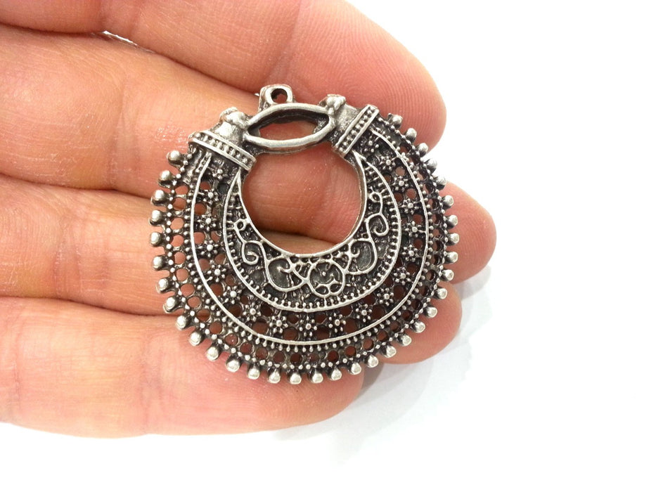 2 Pcs (40 mm) Oxidized Silver Plated  Medallion  Pendants   G9774