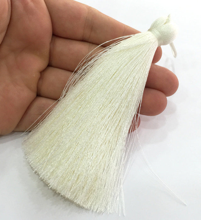 Cream  Tassel ,   Large Thick  113 mm - 4.4 inches   G12238